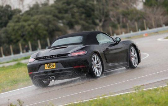 2017-Porsche-718-Boxter-Reviews